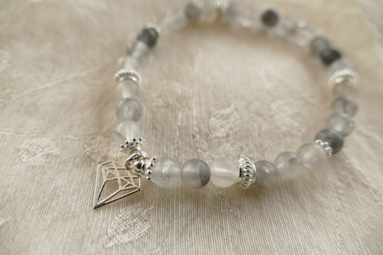 "Armband ""Diamond"" mit grauem Quarz"