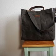 "Grosse Tasche bag in the Bag Messenger Bag ""Mani"" aus gewachstem Canvas"