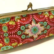CLUTCH FLORAL IN RED