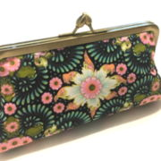 CLUTCH FLORAL IN GREEN