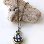 "Ketenuhr ""Dots"""